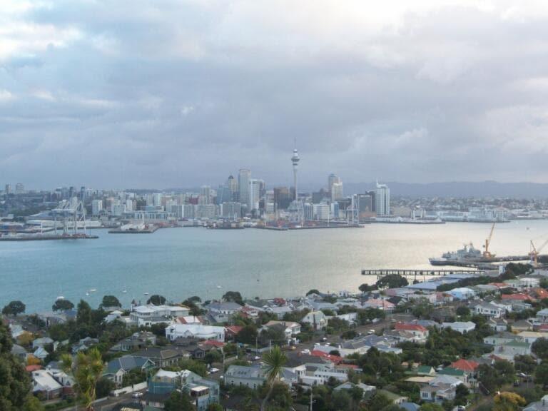 Dopo 102 giorni, la Nuova Zelanda registra 4 casi di Covid 19. Annunciato nuovo lockdown
