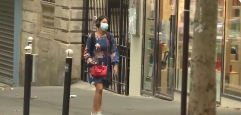 Emergenza Covid, anche a Parigi scatta l'obbligo delle mascherine
