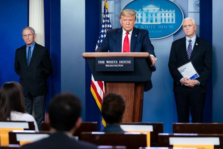 """La rabbia di Trump: """"Continua la caccia alle streghe"""""""