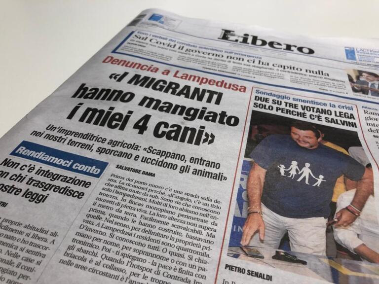 Come ha fatto Libero a fare il titolo sui «migranti che hanno mangiato 4 cani» a Lampedusa