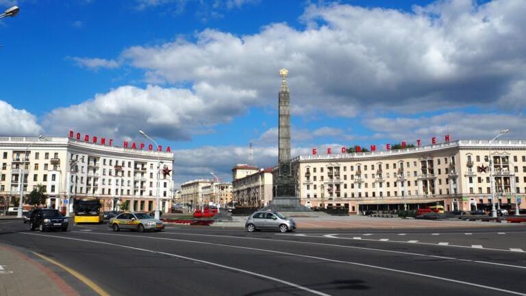 Bielorussia: per Lukashenko è la sesta vittoria, ma il paese è scosso dagli scontri