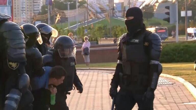 Elezioni in Bielorussia: la polizia è accusata di tortura