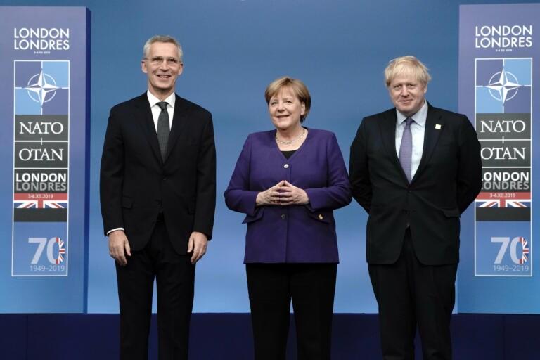 Johnson mette a tacere Merkel |  «Angela |  spegni il microfono quando parlo io»