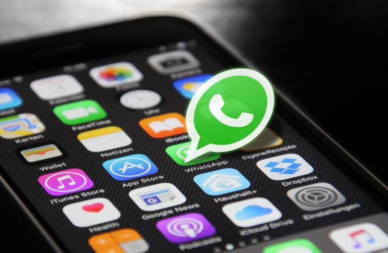 Il piano di Whatsapp con le foto che si autodistruggono: ma come la mettiamo con gli screenshot