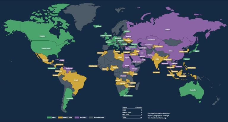 Per l'undicesimo anno consecutivo, la libertà di internet nel mondo è in calo: il rapporto