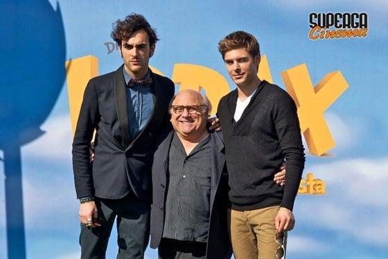 Marco Mengoni con Danny De Vito e Zac Efron