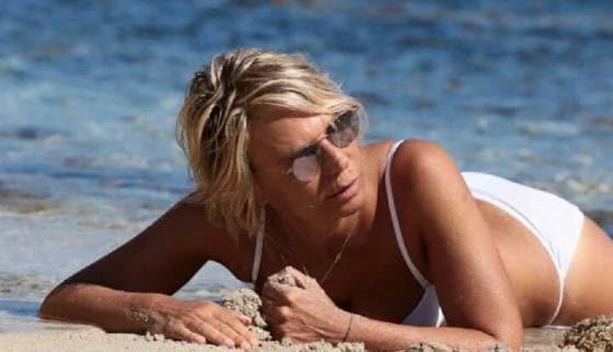 Novella 2000 - Maria De Filippi