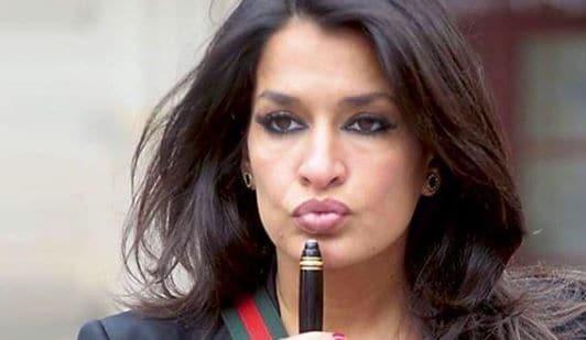 Aida Nizar, scandalo a Pomeriggio Cinque: mostra il seno in diretta
