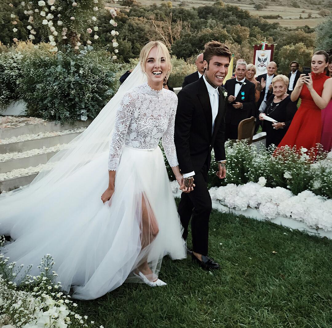 633ccc316ae7 Chiara Ferragni e Fedez oggi sposi  ecco tutte le foto del matrimonio  dell anno!