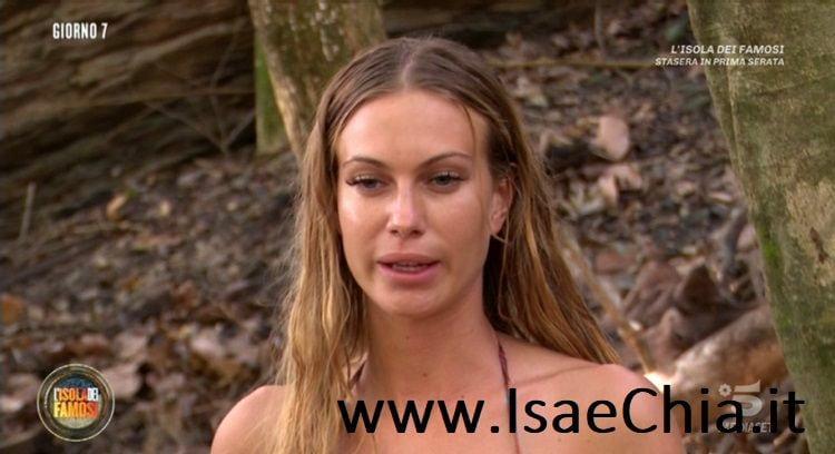 Taylor Mega eliminata dall'Isola dei Famosi, il suo discorso sulla droga