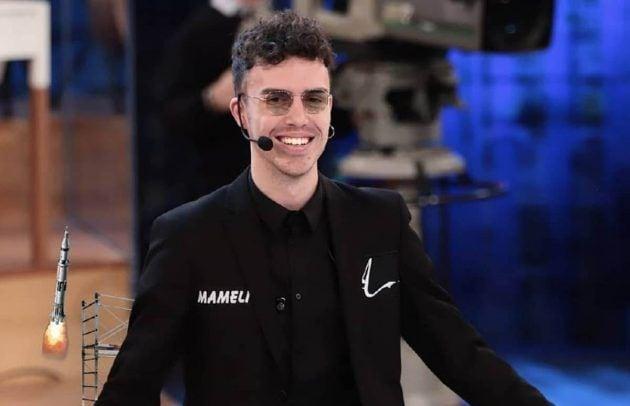 Amici 18, semifinale: contratto di lavoro a sorpresa per Vincenzo