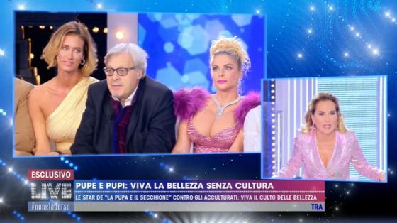 'Live – Non è la D'Urso', Vittorio Sgarbi insinua che Berlus