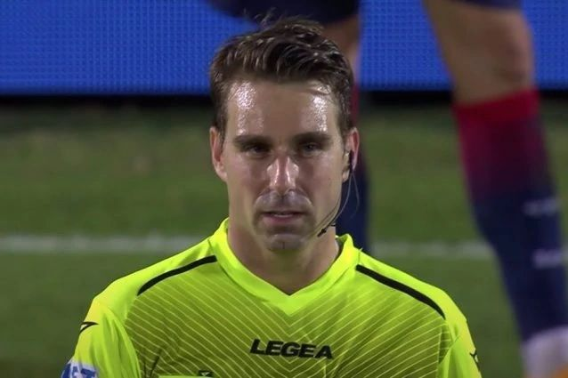 L'arbitro Fourneau premiato dopo Crotone-Juventus