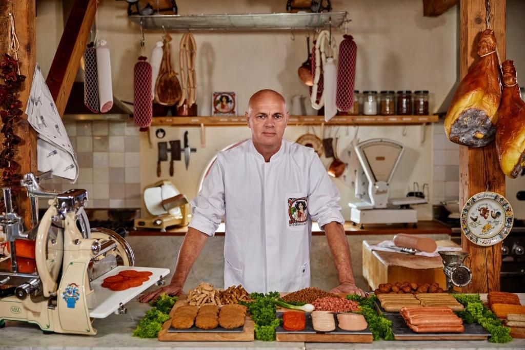 burger king rebel whopper vegetarian butcher