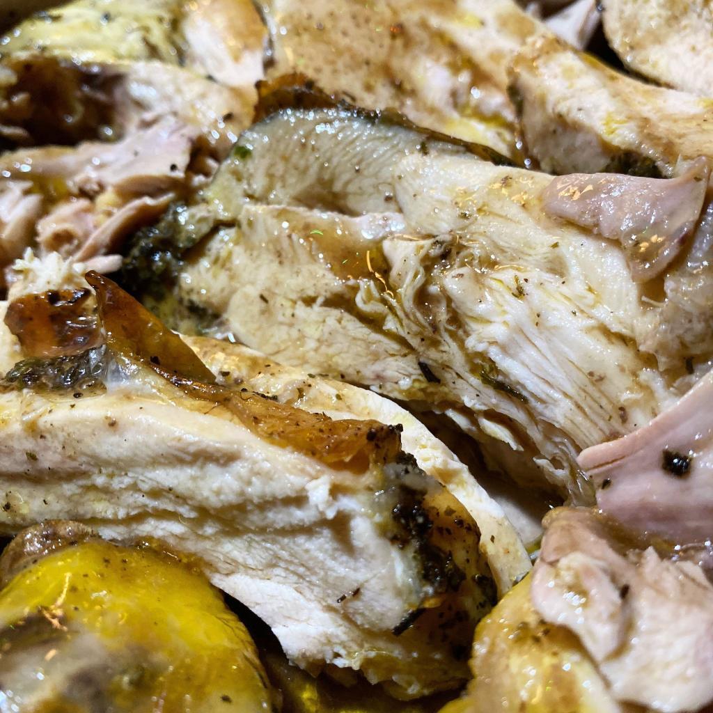 pollo molto buono tagliato succoso