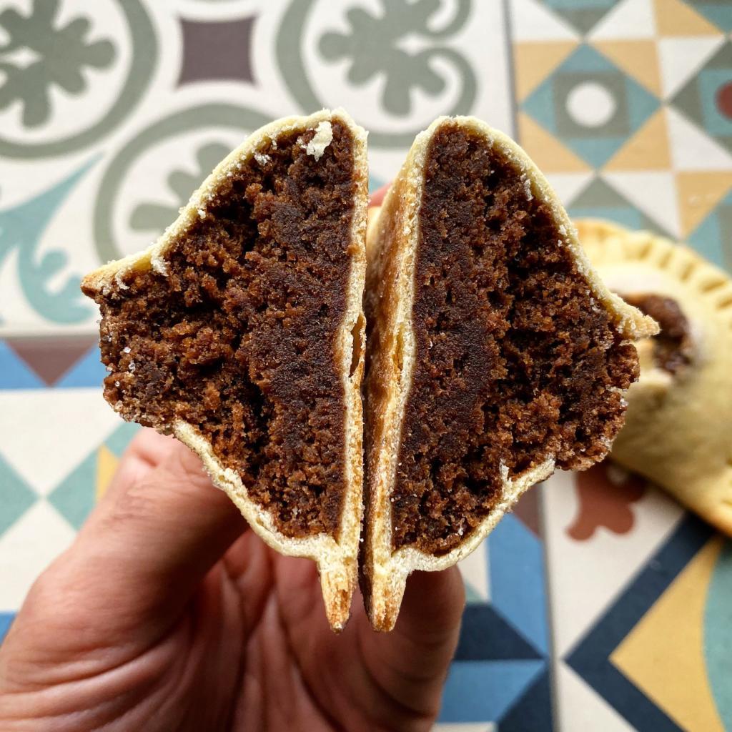 mpanatigghi dolce cioccolato carne ripieno modica