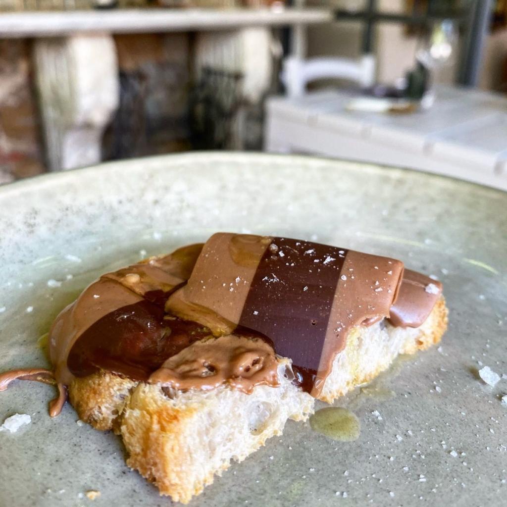 fondo ristorante pane cioccolato
