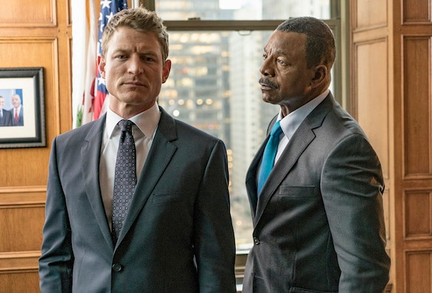 CHICAGO JUSTICE -- Episode Pilot -- Pictured: (l-r) Philip Winchester as Peter Stone, Carl Weathers as Mark Jeffries -- (Photo by: Matt Dinerstein/NBC)