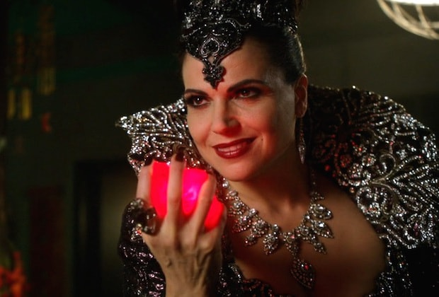 once-upon-a-time-evil-queen-1