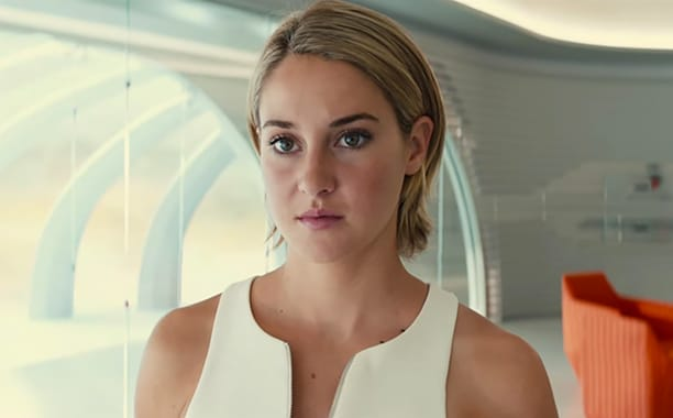 "The Divergent Series: Allegiant Official Teaser Trailer – ""Beyond The Wall"" (screengrab)"