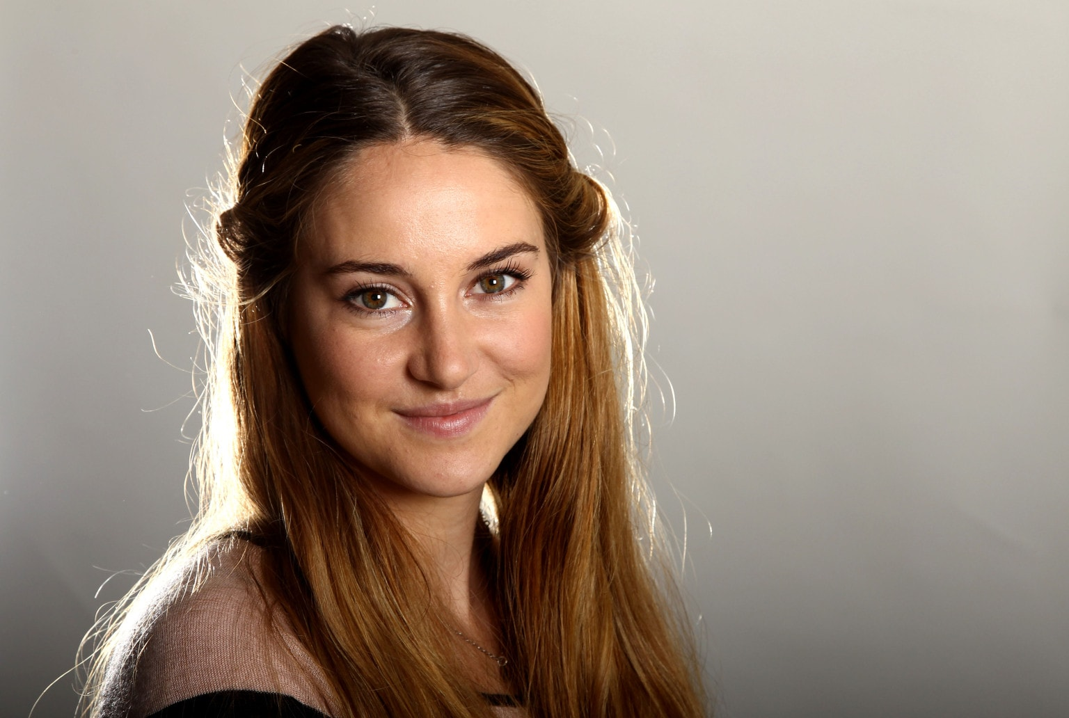 "Actress Shailene Woodley poses for a portrait while promoting her new film ""The Spectacular Now"" at the Four Seasons Hotel on Monday, July 29, 2013 in Los Angeles. (Photo by Matt Sayles/Invision/AP)"