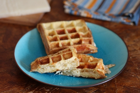 French toast waffle al formaggio