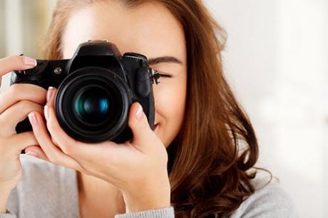 woman-camera-slr-face