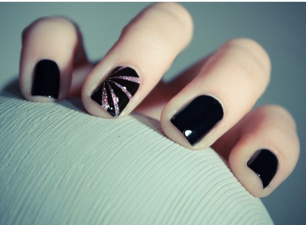 unghie di capodanno eleganti e tanti glitter makeup delight