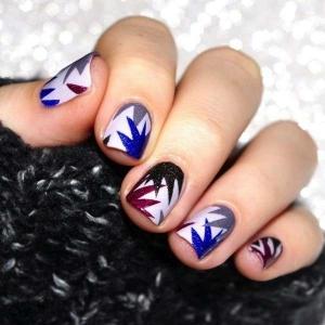 nail-art-per-capodanno-con-fuochi-dartificio