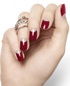reverse-french-manicure