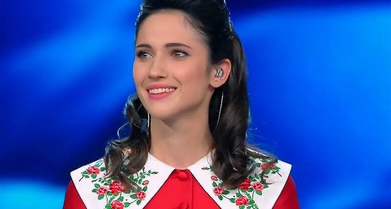 lodovica-comello-mille-bolle-blu_765x410_