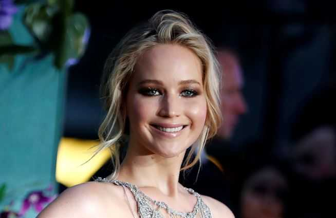 jennifer-lawrence-1-maxw-654