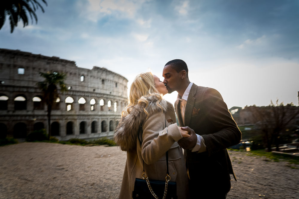 07-kissing-in-rome