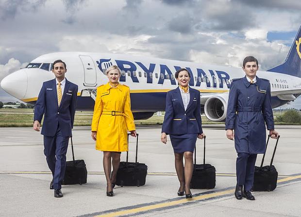 Ryanairuniformscut_3426633b