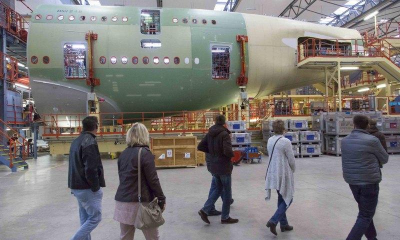 amburgo aeroporto in miniatura fabbrica airbus 25 27. Black Bedroom Furniture Sets. Home Design Ideas