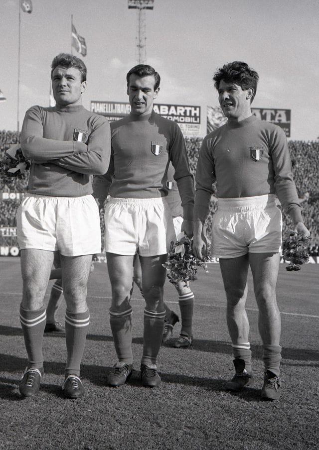 Angelillo, Altafini e Sivori con la maglia della Nazionale nel 1961 (fonte: Wikipedia.org)