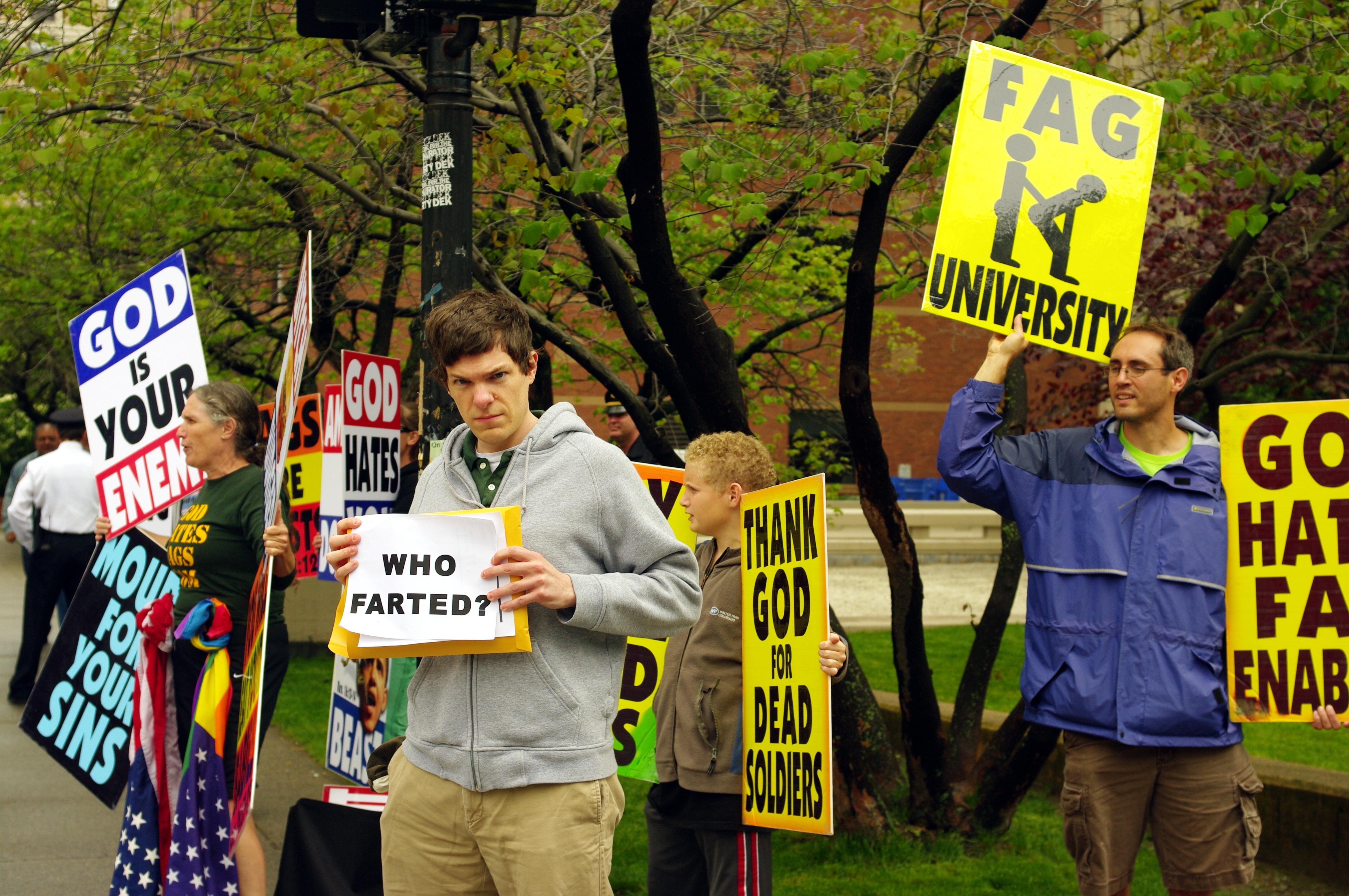 Westboro_Baptist_Church_at_Brown_University,_May_2009