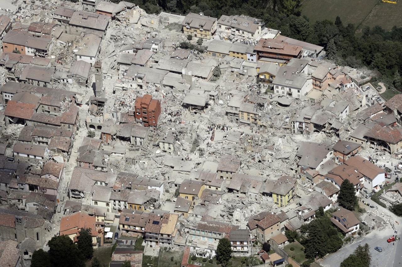 Case Di Pietra Terremoto : Terremoto agosto lavori sospetti e problemi di
