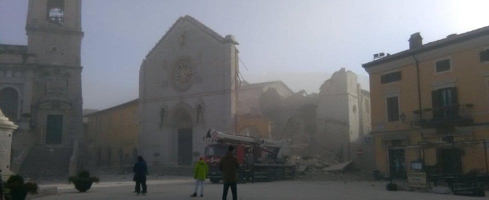 terremoto roma centro italia basilica san benedetto norcia