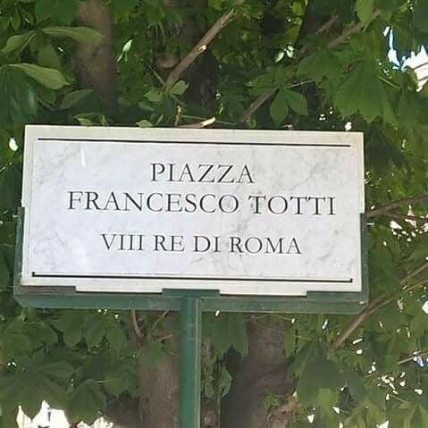 piazza francesco totti testaccio 1