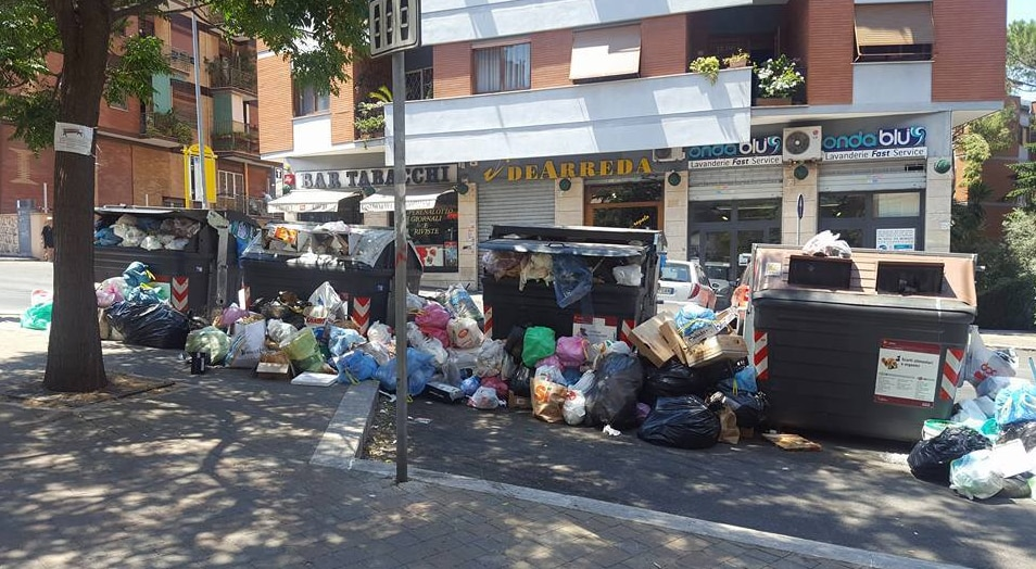 roma immondizia monteverde emergenza rifiuti - 2