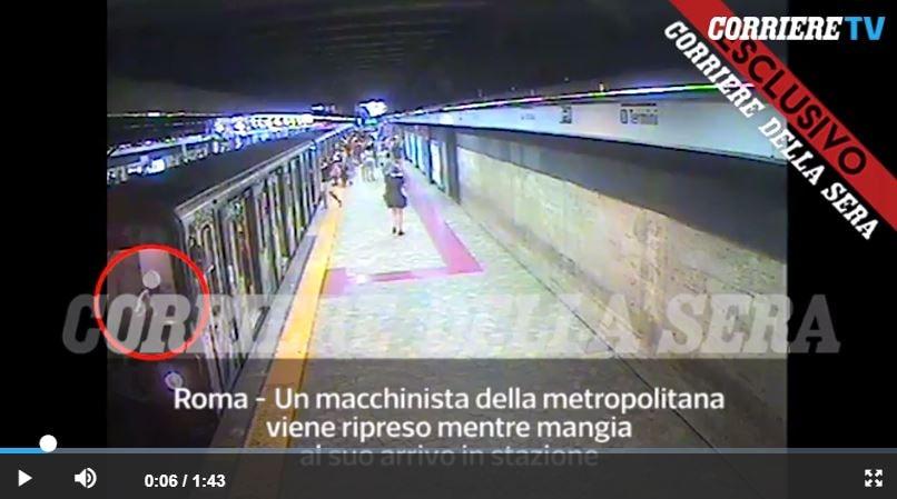 video donna trascinata metro macchinista 1