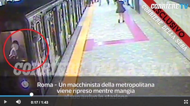 video donna trascinata metro macchinista 2