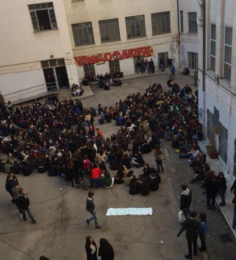 virgilio unito proteste studenti liceo roma - 3