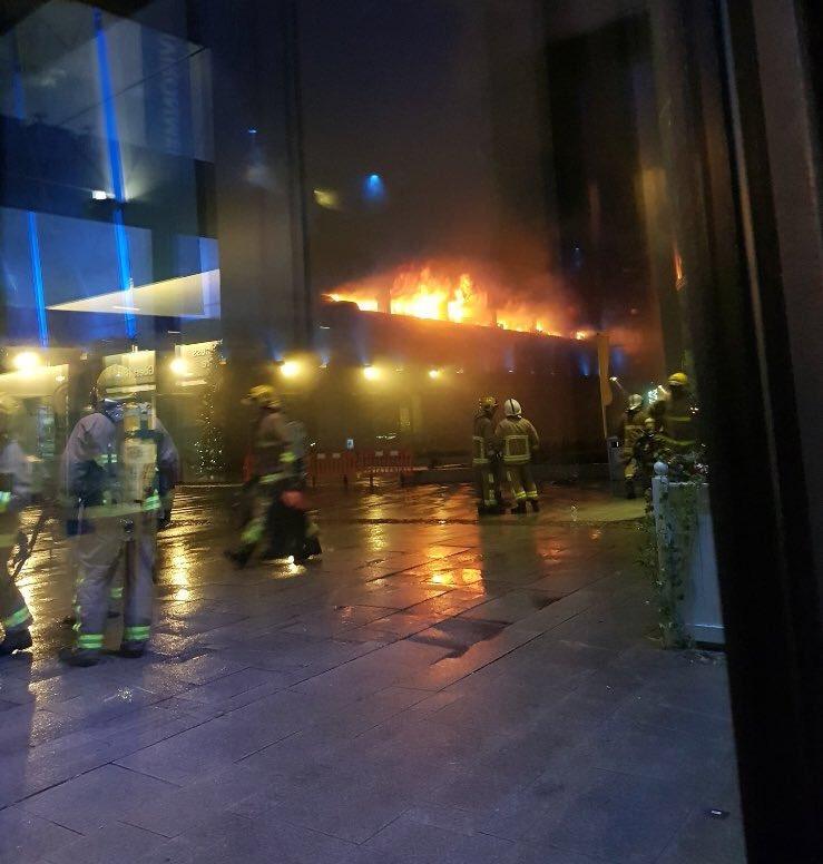 incendio parcheggio liverpool 2
