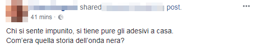 adesivi sequestrati qui abita un antifascista - 4