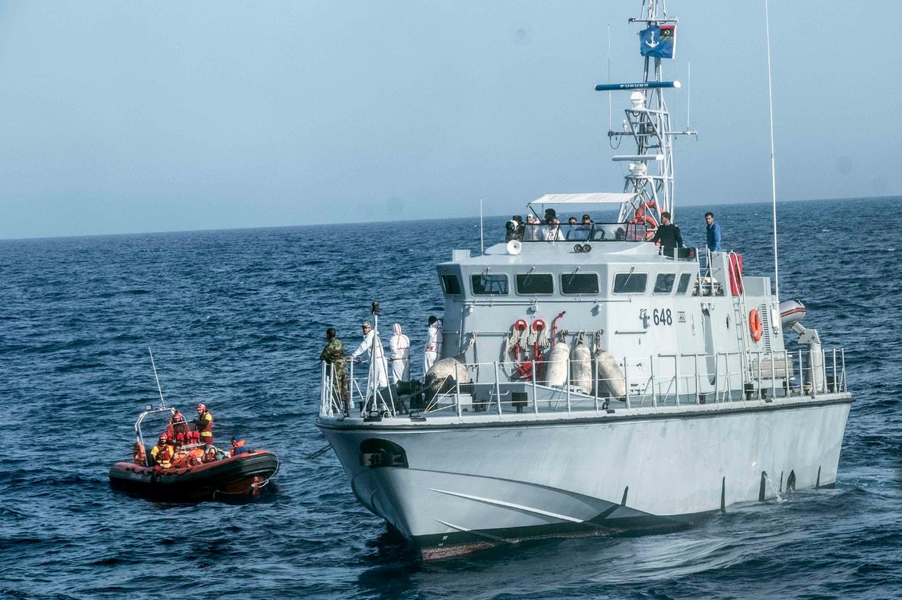 proactiva open arms emergenza mediterrano motovedetta libica 648 - 7
