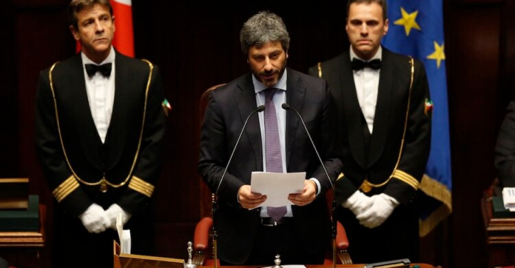 Discorso Camera Boldrini : Roberto fico e il taglio dellindennità come grasso e boldrini