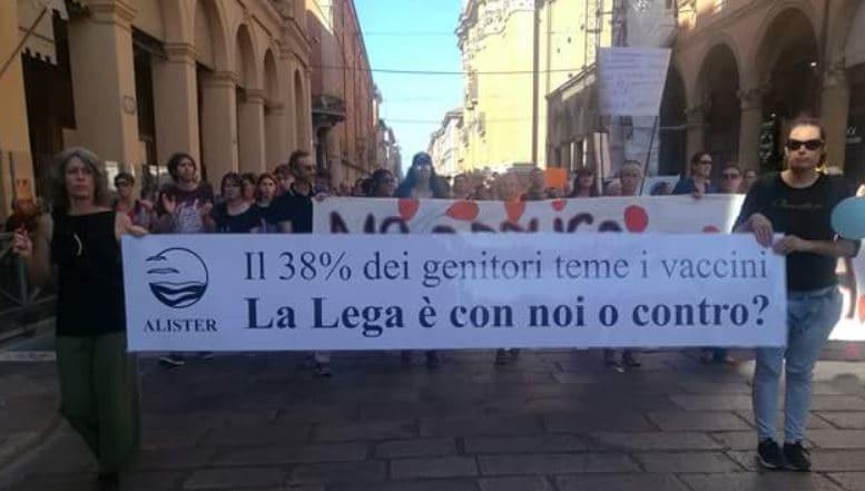 manifestazione libertà vaccini bologna