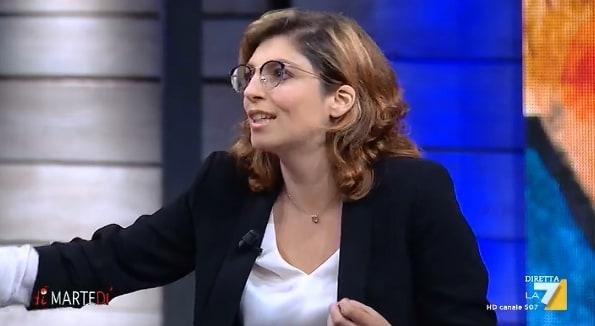 Laura castelli e il reddito di cittadinanza sul bancomat for Cittadinanza italiana tempi di attesa 2018
